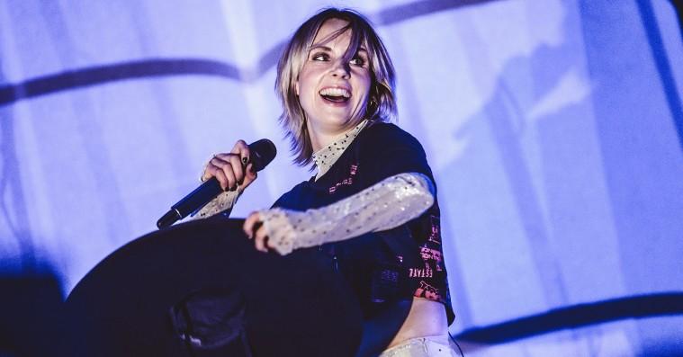 Roskilde Festival: Mø var hyggelig og festlig – og en smule forudsigelig