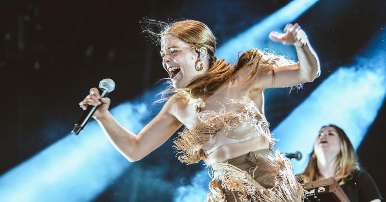 Maggie Rogers viste Roskilde Festival, at hun kan danse