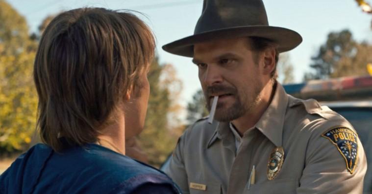 Netflix nedlægger rygeforbud i deres serier efter cigaretboom i 'Stranger Things'