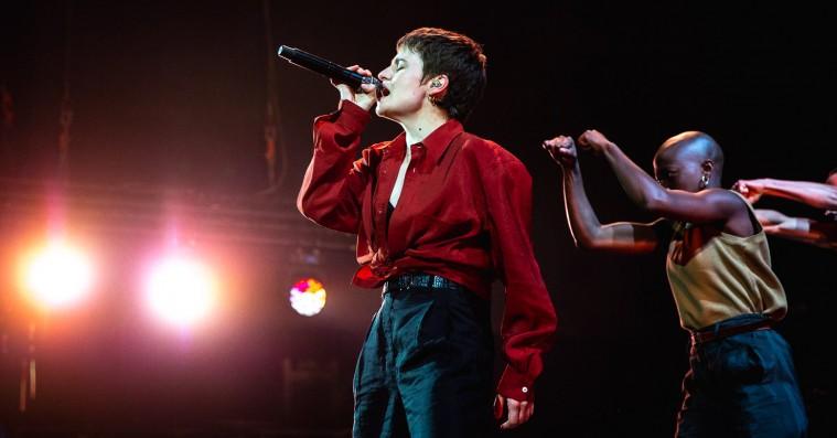 Christine and the Queens forvandlede Roskilde Festival til et følsomt, fransk diskotek