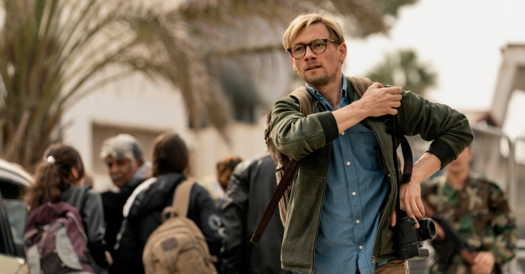 'Ser du månen, Daniel': Stort dansk gidseldrama er ekstremt rørende og grumt