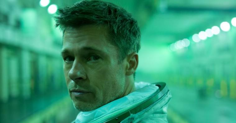 De danske anmeldere har været alt for hårde ved Brad Pitt-rumfilmen 'Ad Astra'