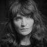 Se ny Efterklang-video med Helena Christensen – og sniglyt deres kommende album ved fanevent