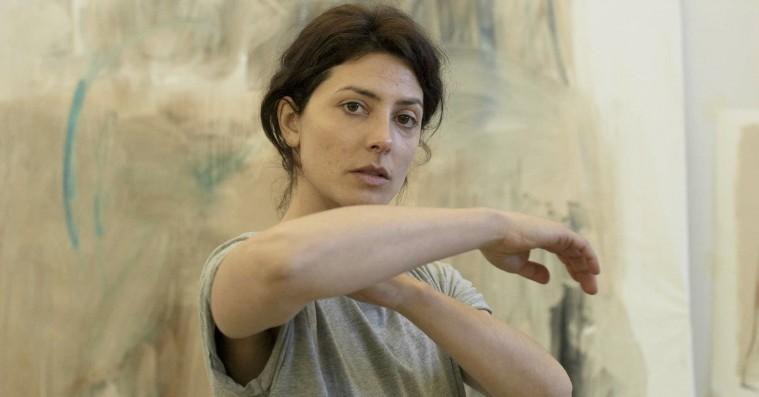 'Petra': Overdådigt spansk melodrama kollapser på halvvejen