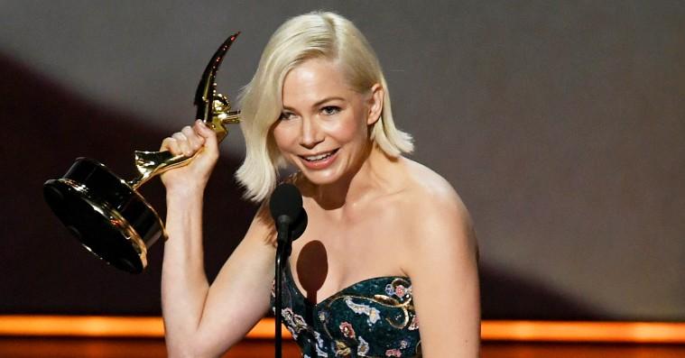 Michelle Williams fik stående bifald for sin Emmy-vindertale om ligeløn