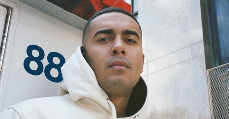 Kesi deler ny ep: '888' feat. blandt andre Gilli og Benny Jamz