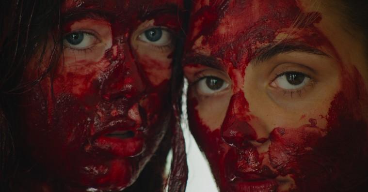 'Psykosia': Selvmord er forførende i dansk debut med Victoria Carmen Sonne og Trine Dyrholm
