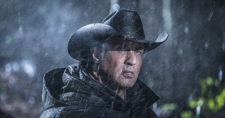 'Rambo: Last Blood': Sylvester Stallone giver blodige bøllebank i 'Alene hjemme' for voksne