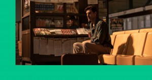 Lyt til SOUNDVENUE STREAMER: Seriøs Sacha Baron Cohen som Netflix-spion og tåbelig TV 2-krimi