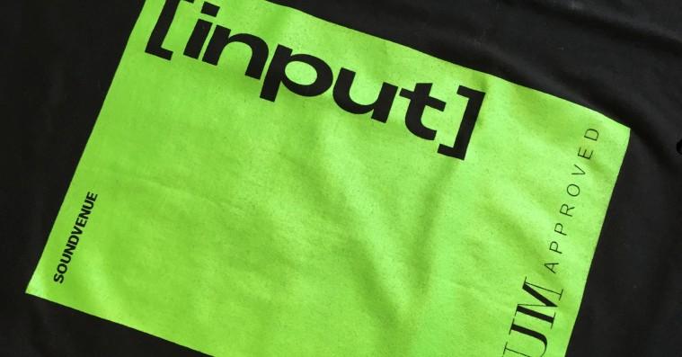 Soundvenue laver INPUT-merchandise i samarbejde med Muf10 – trykker på genbrugstøj