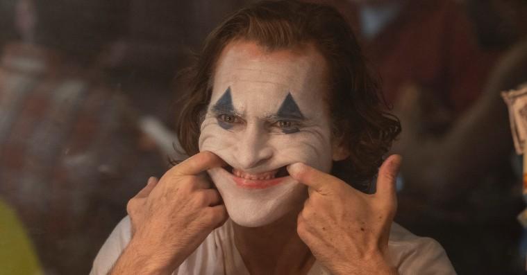 'Joker': Joaquin Phoenix er ynkelig, ødelagt og seriøst skræmmende i provokerende superskurkefilm