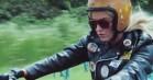 Se Katy Perry tage til Hawaii på romantisk motorcykelferie i ny musikvideo