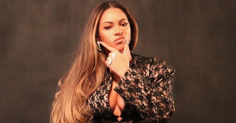 Beyoncé opdaterer blazer-looket til pladeselskabsboss' fødselsdag