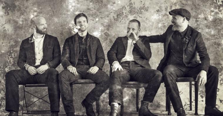 'Everyday Life': 20 år inde i karrieren har Coldplay lavet deres hidtil mest eventyrlystne album