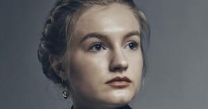 Alma Ekehed Thomsen debuterer i 'Forhøret': »Tanken om, at hele verden skal se det, er en ret skrøbelig ting«