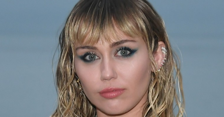Miley Cyrus opereret i stemmebåndet – sætter en foreløbig stopper for ep-trilogi