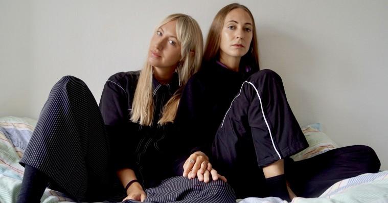 Søstrene Glindvad har succes i hvert sit band: »Vi havde været på skitur og endte med bare at sidde og græde«