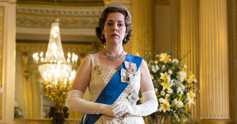 'The Crown' sæson 3: Olivia Colman og unge prins Charles er kronen på værket