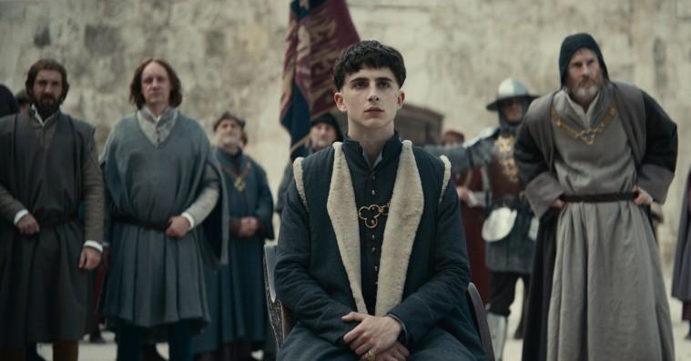 'The King': Netflix-film med Timothée Chalamet og Robert Pattinson er intet mindre end fremragende