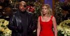 Scarlett Johansson redder 'Saturday Night Live'-cast fra Thanos-knips i veloplagt åbningsmonolog