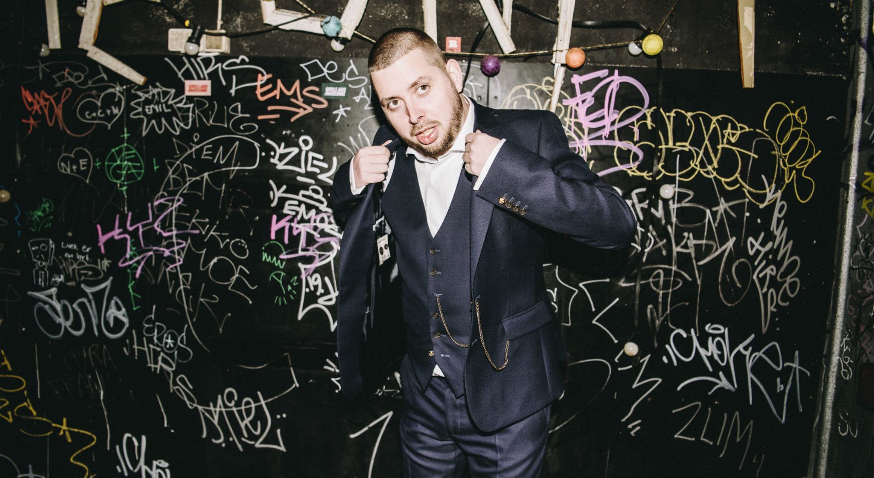 Efter 12 år bag dj-pulten er Emil Lange sprunget ud som artist: »Folk må gerne hate«
