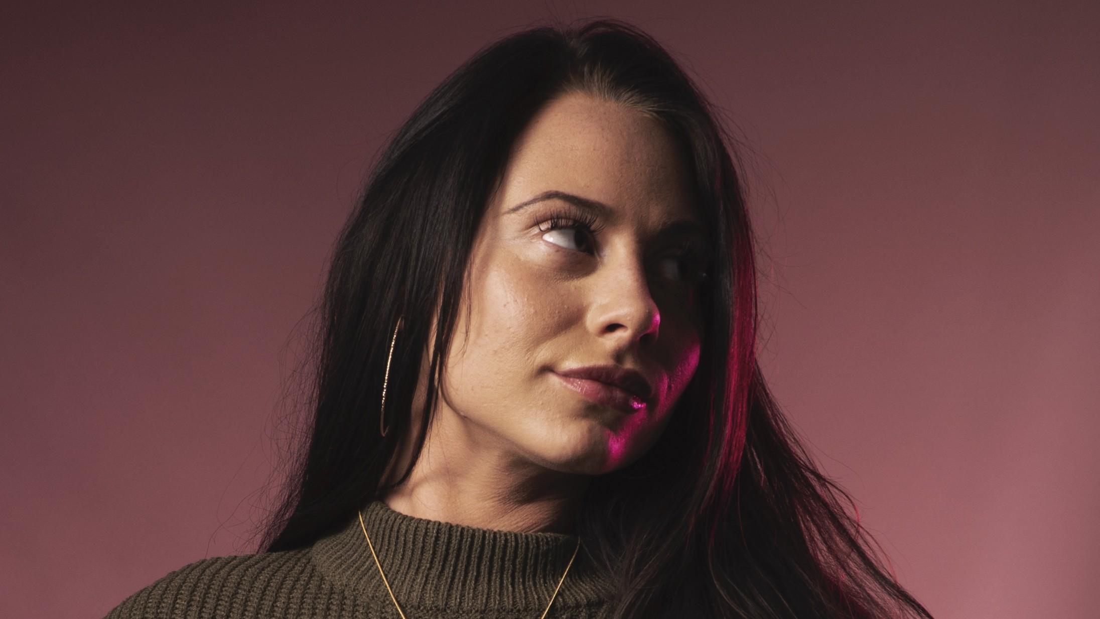 Selvfølgelig er Tessa med som gæst på Suspekts nye album