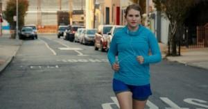 'Brittany Runs a Marathon': Jeg heppede på, råbte ad og græd med Jillian Bell i overset indieperle