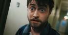 Daniel Radcliffe vågner op med pistoler sømmet på hænderne i første trailer til 'Guns Akimbo'