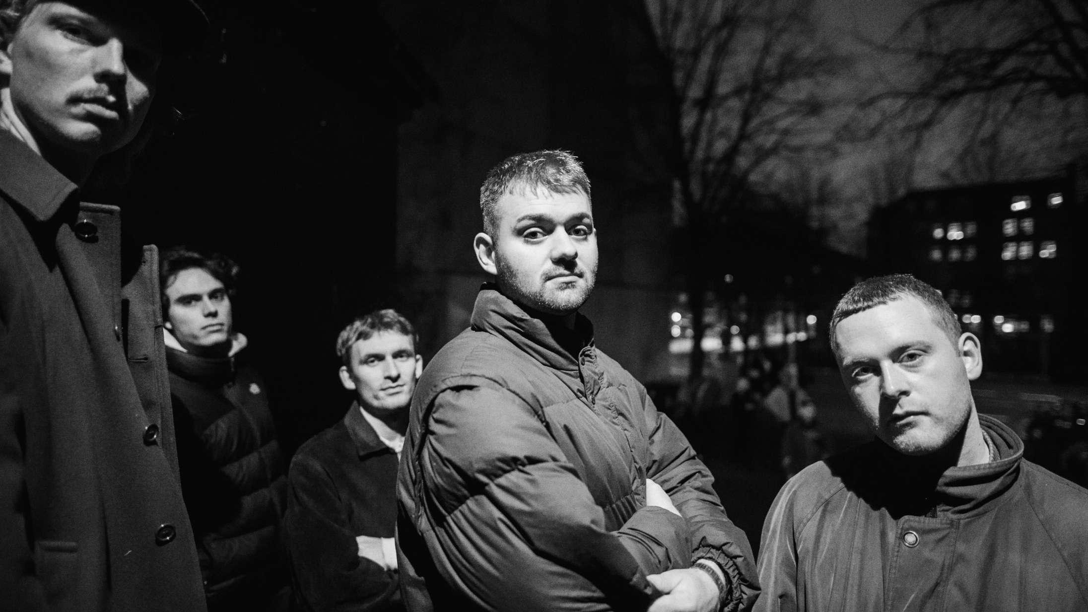 Frembrusende Joyce taler med 'Djævlen' på eksplosiv andensingle
