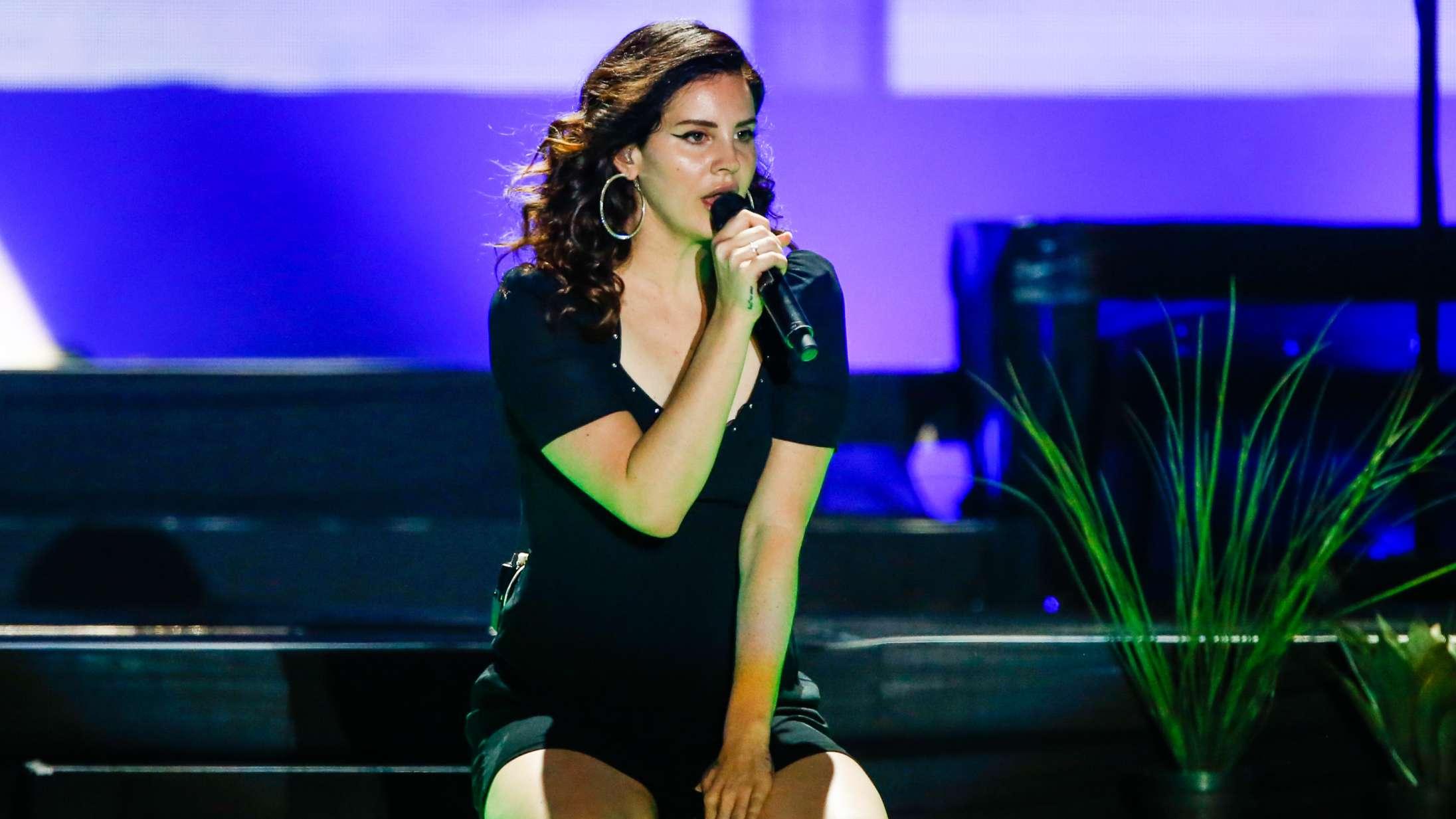 Lana Del Rey annoncerer nyt album – svarer igen på årelang kritik af at glamourisere misbrug