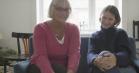 Malou Reymann og hendes far Helene ser 'En helt almindelig familie' sammen for første gang – se videoen