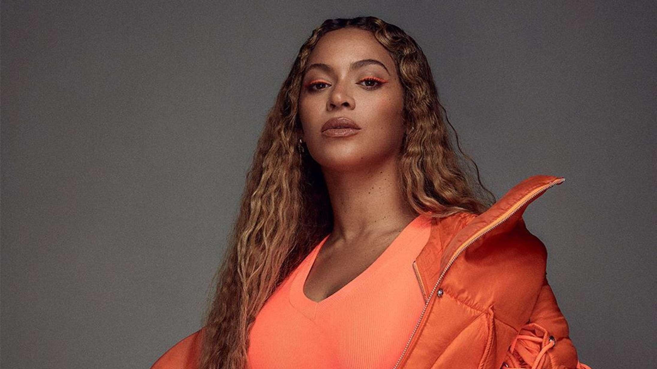 Beyoncé hylder afdød 13-årig fan med følelsesladet medley