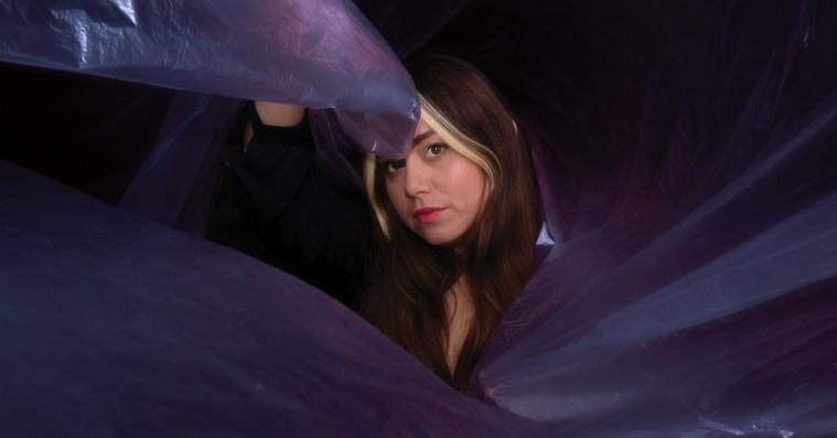 Molina vrider popmusik i nye retninger på 'Vanilla Shell'