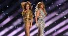 Se Shakira og Jennifer Lopez' storslåede Super Bowl-show –med poledance, crowdsurfing og surprise-gæster