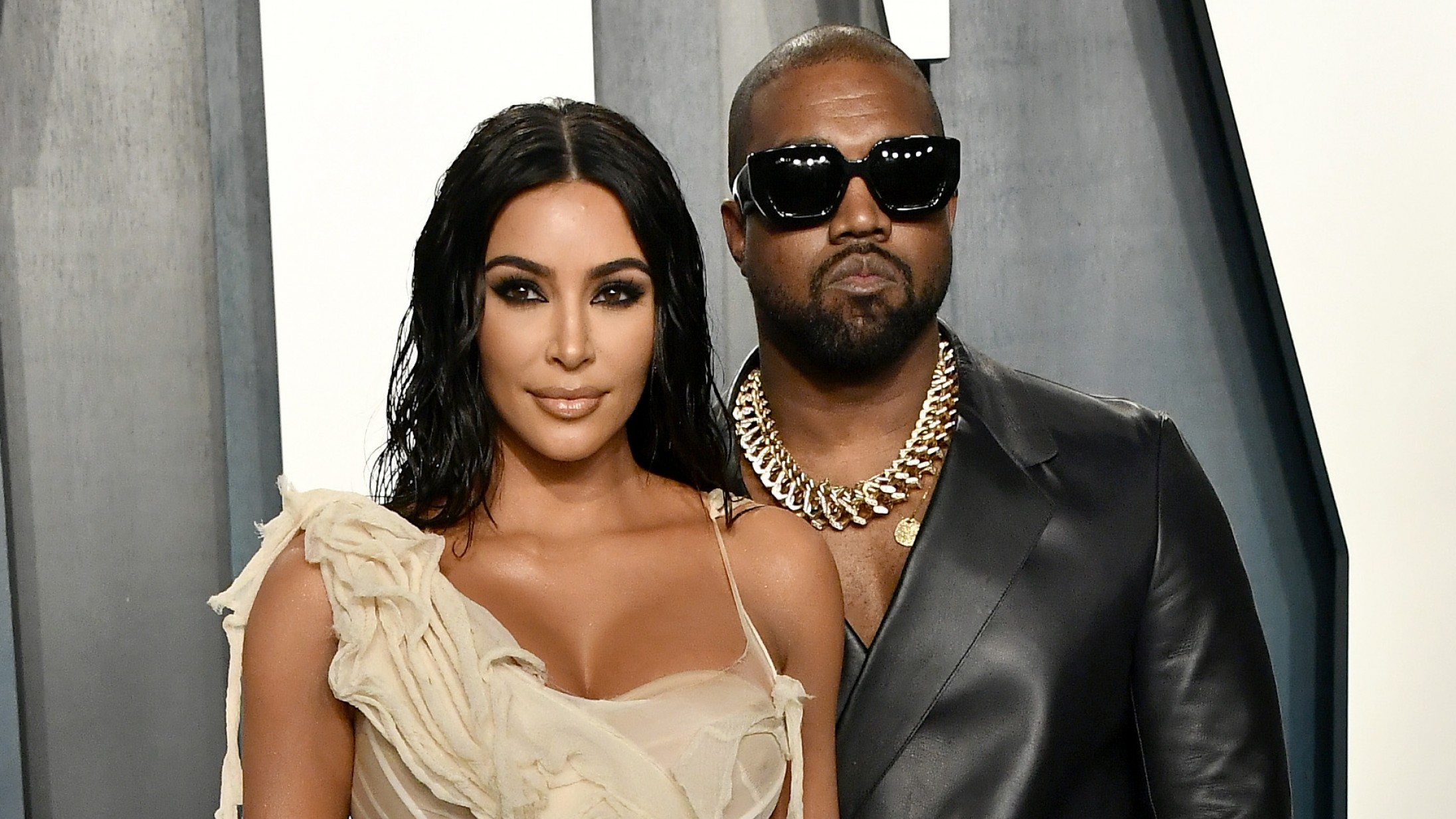 Så er det officielt: Kanye West og Kim Kardashian skal skilles