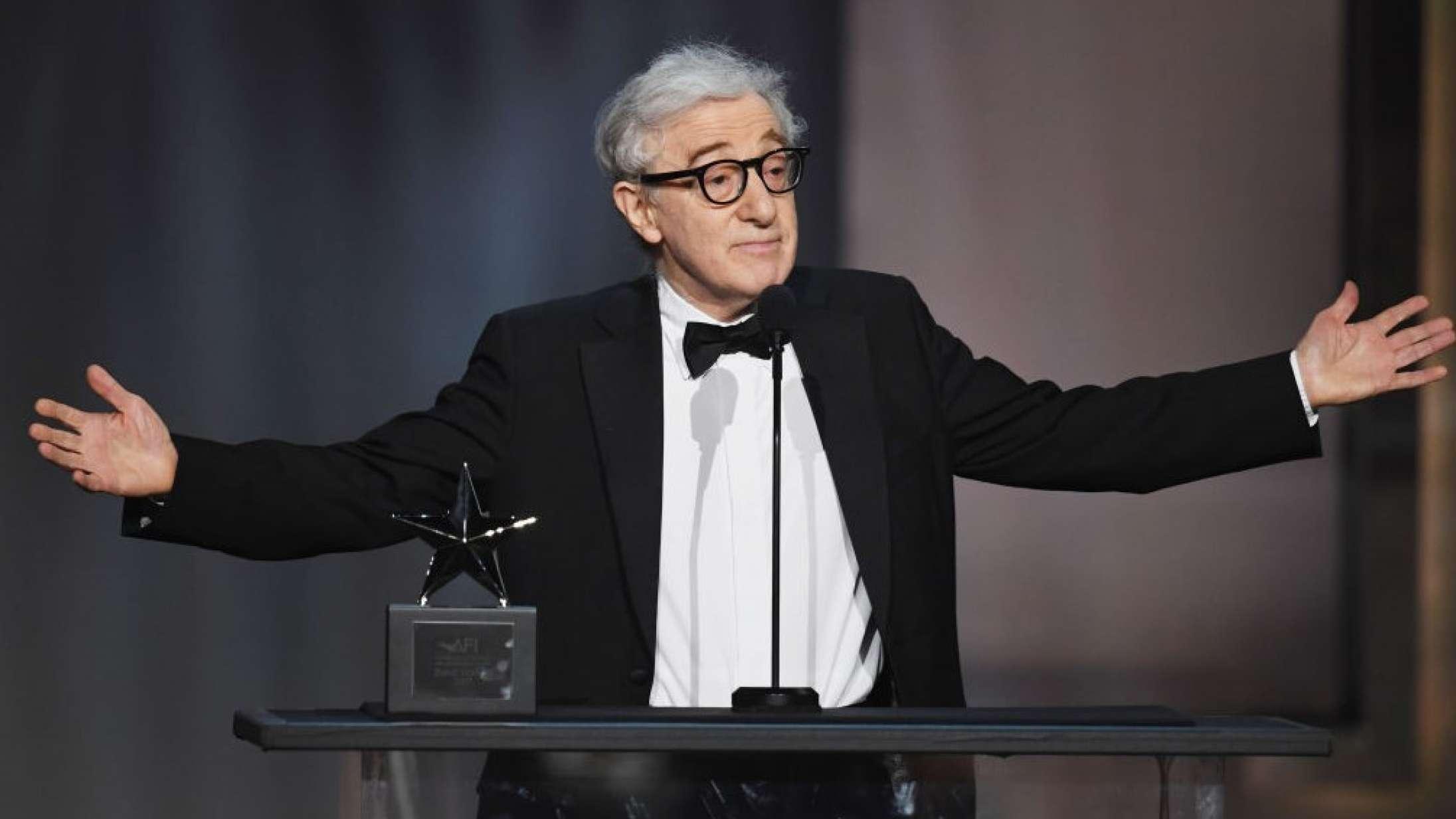 Woody Allens selvbiografi er udkommet – trods protester fra sønnen Ronan Farrow