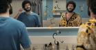 Lil Dicky splitter sig i to i den selvbiografiske serie 'Dave' – se traileren