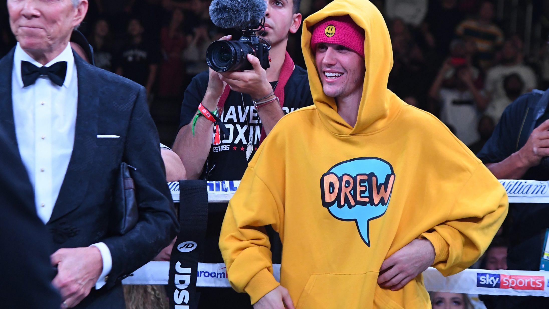 Justin Biebers værste og bedste outfits: Fra knælange t-shirts og blebukser til badboy-skater