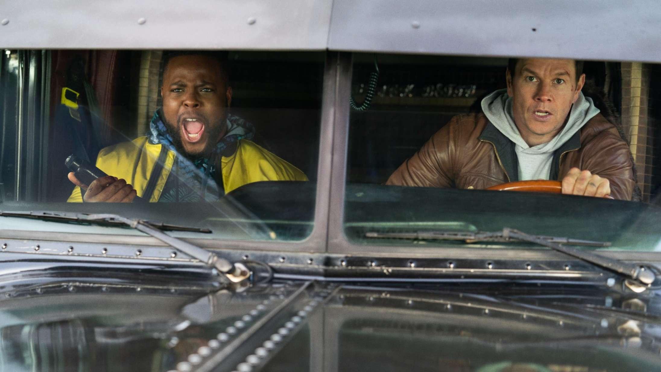 'Spenser Confidential': Mark Wahlberg leverer bankekød til slemme drenge i blodfattig Netflix-film
