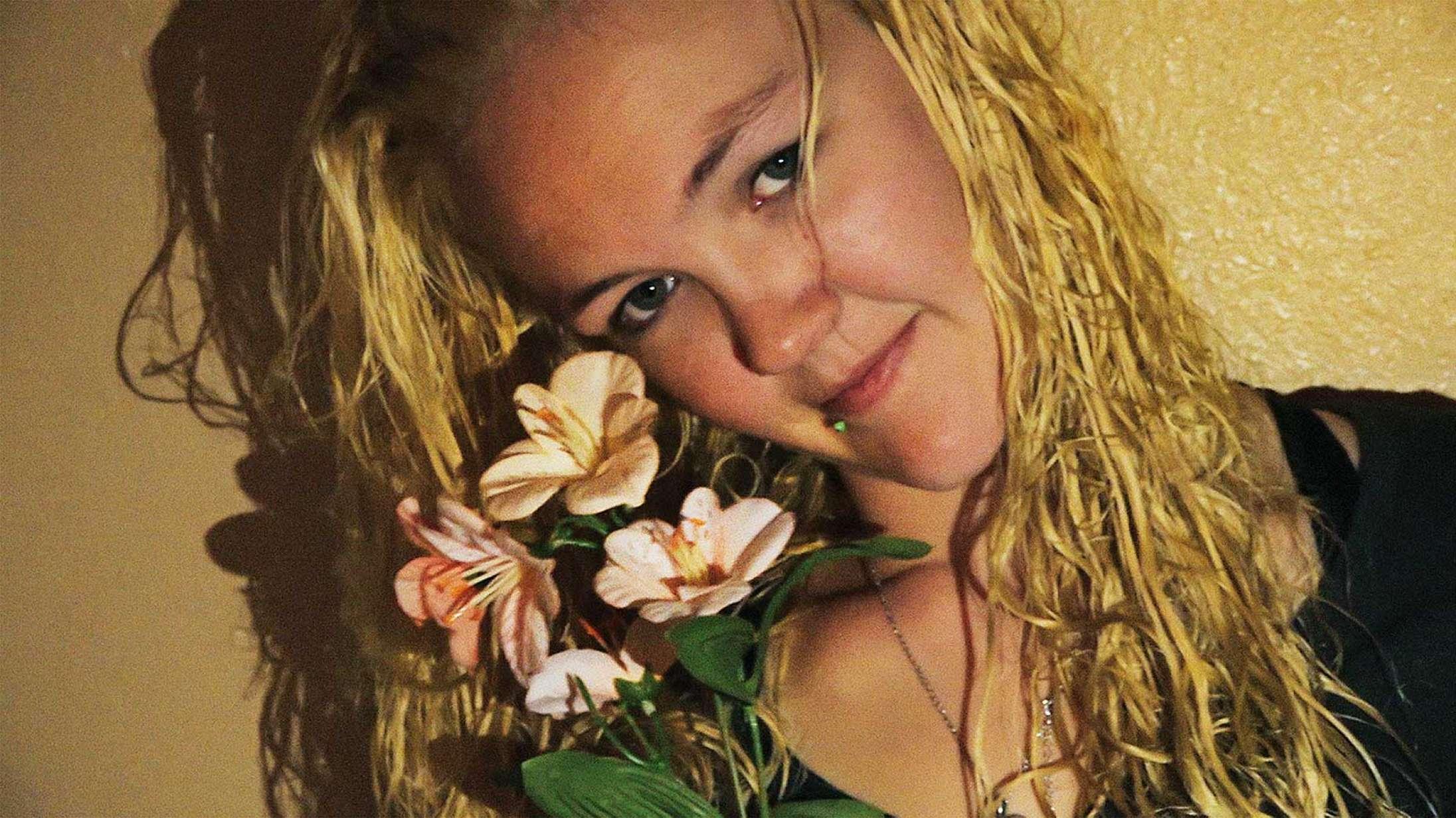 'I Love You I Miss You I Hope I See You Before I Die': Dansk dokumentartalent har begået et intimt og filterløst portræt