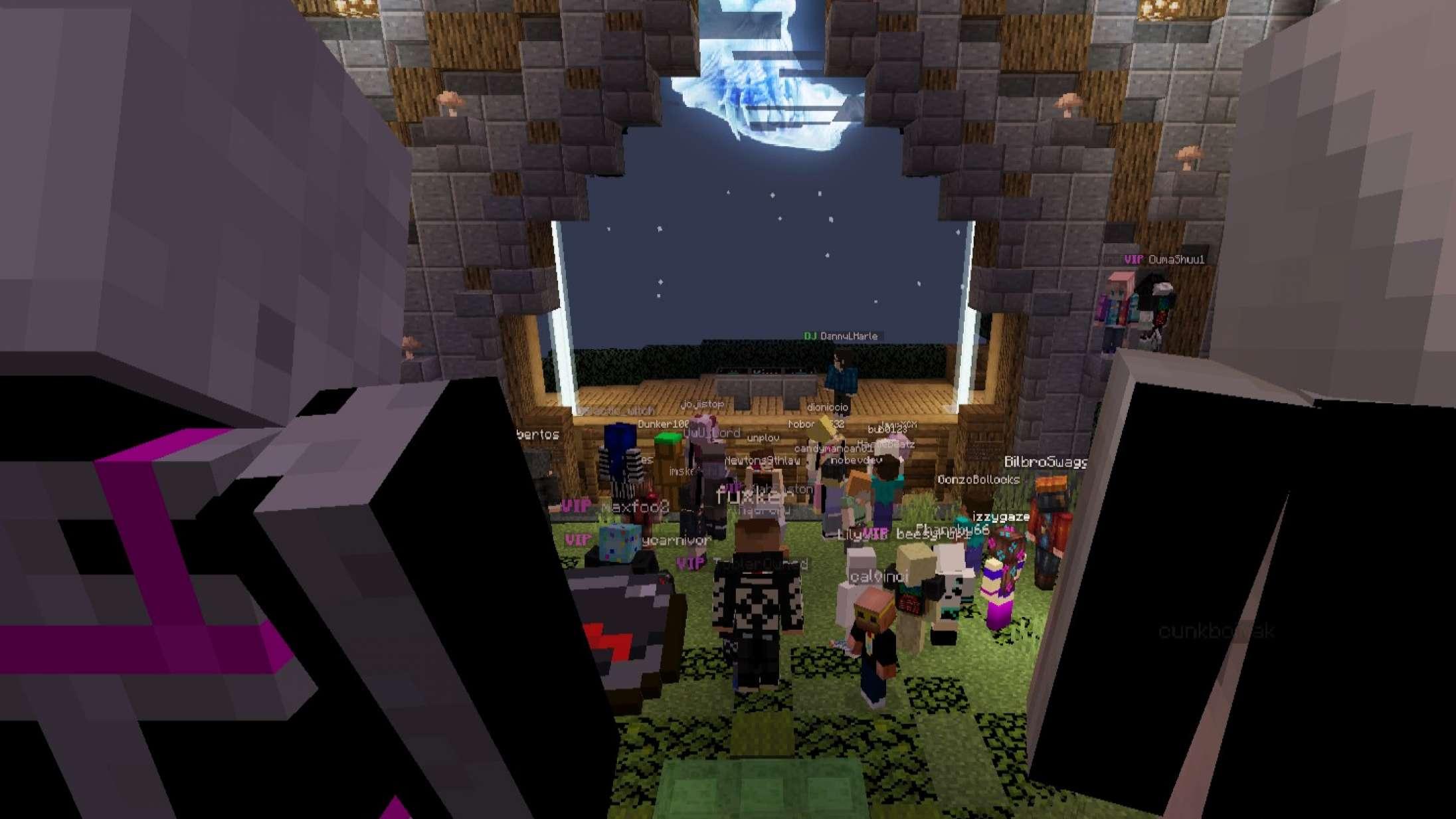 Til musikfestival i 'Minecraft': Hold nu op, hvor var det befriende at være med i en virtuel moshpit