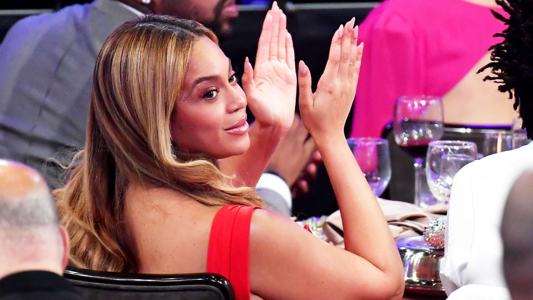 Beyoncé dukker op til virtuel dimission – Barack Obama og Lady Gaga også på programmet