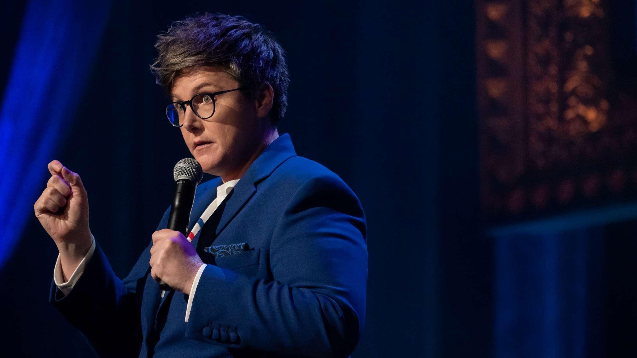 Hannah Gadsby vender tilbage: Hvem er komikeren, der kortsluttede comedy?