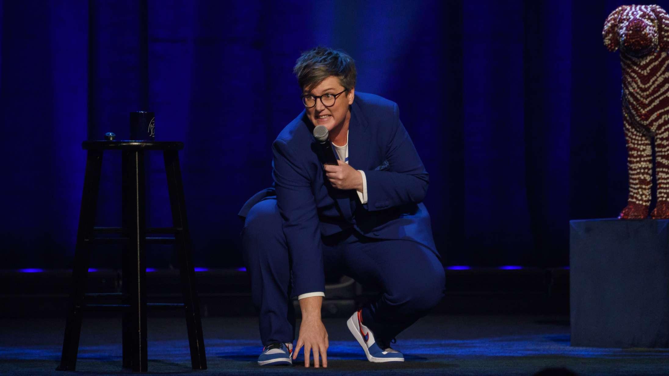 'Hannah Gadsby: Douglas': Tidens hotteste komiker er den eneste ædru i et rum fyldt med fulde mennesker