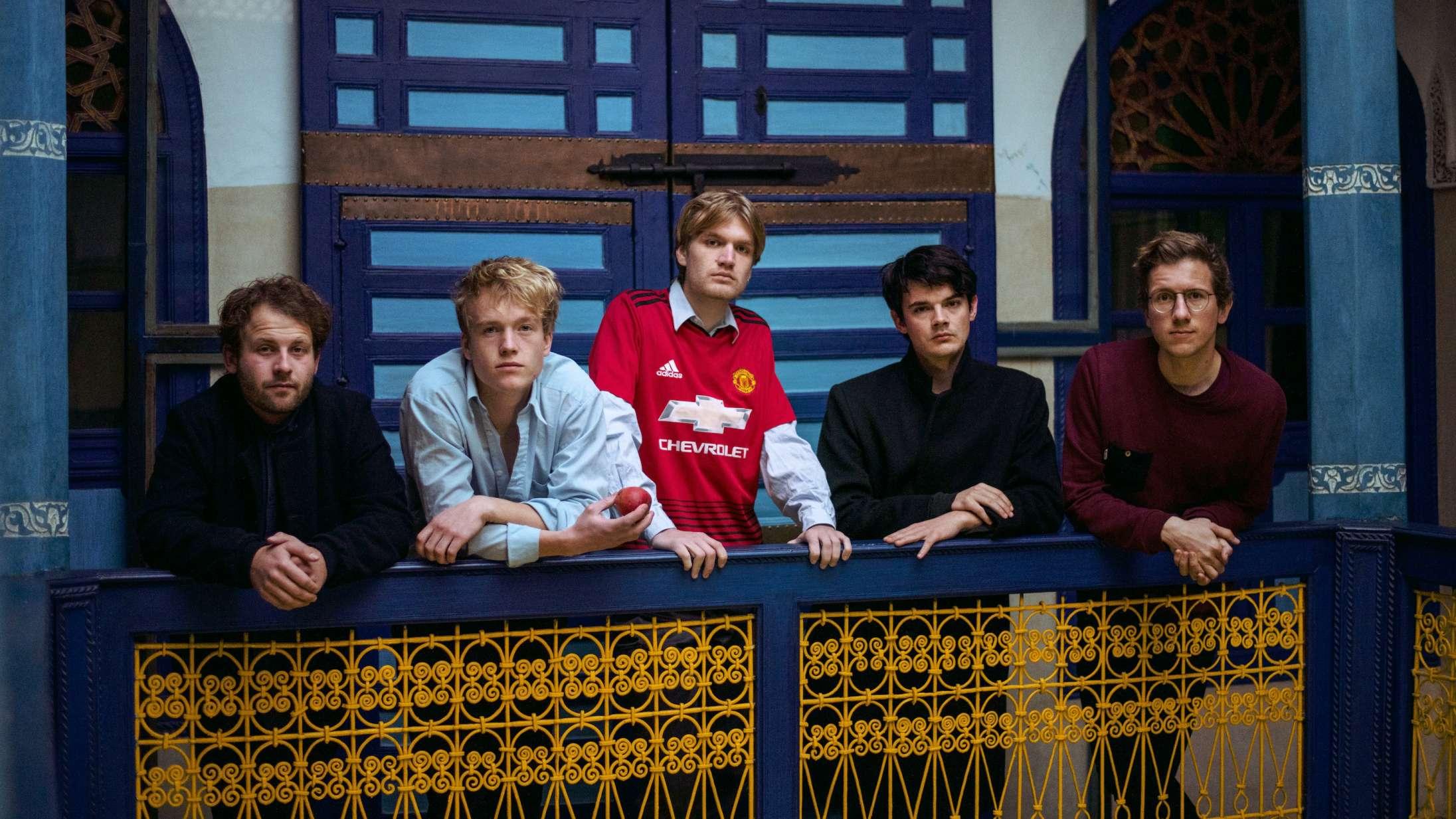 Danske Yune forsvinder ind i sig selv på ørkenrocket debutalbum