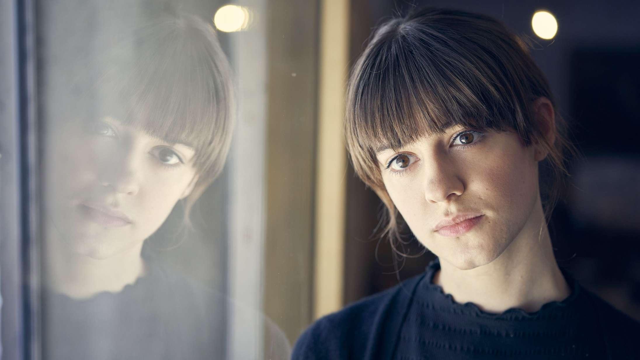 'Normale mennesker': Serien baseret på Sally Rooneys romanfænomen er loyal og lækker