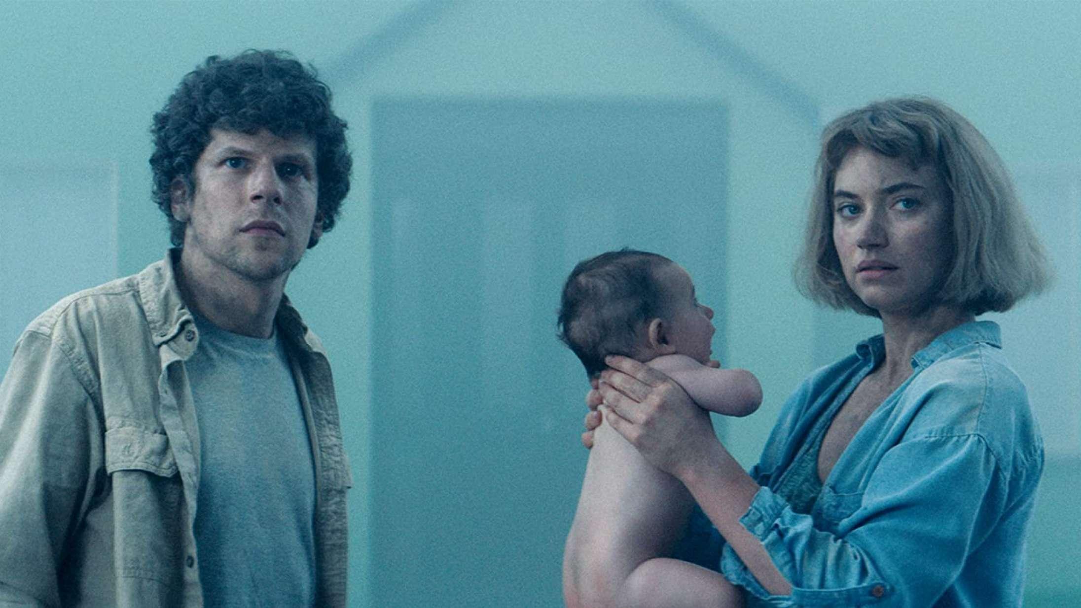 'Vivarium': Jesse Eisenberg fører an i ny film absolut uegnet for unge førstegangskøbere