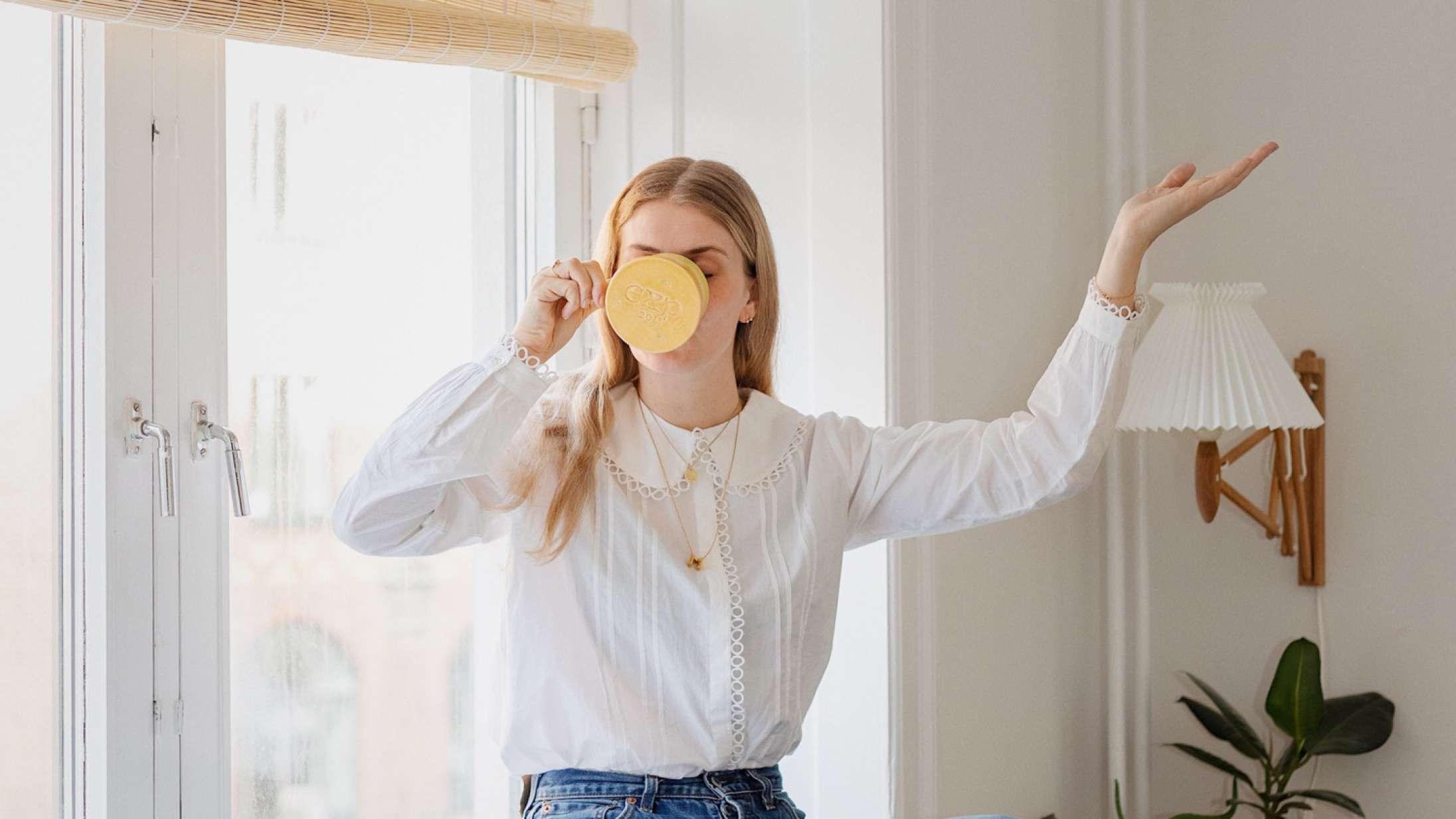 Modeblogger tager sine læsere med på rejsen mod mere ansvarligt forbrug: »Jeg er ikke bleg for at indrømme, at jeg sagtens kan gøre det bedre«.