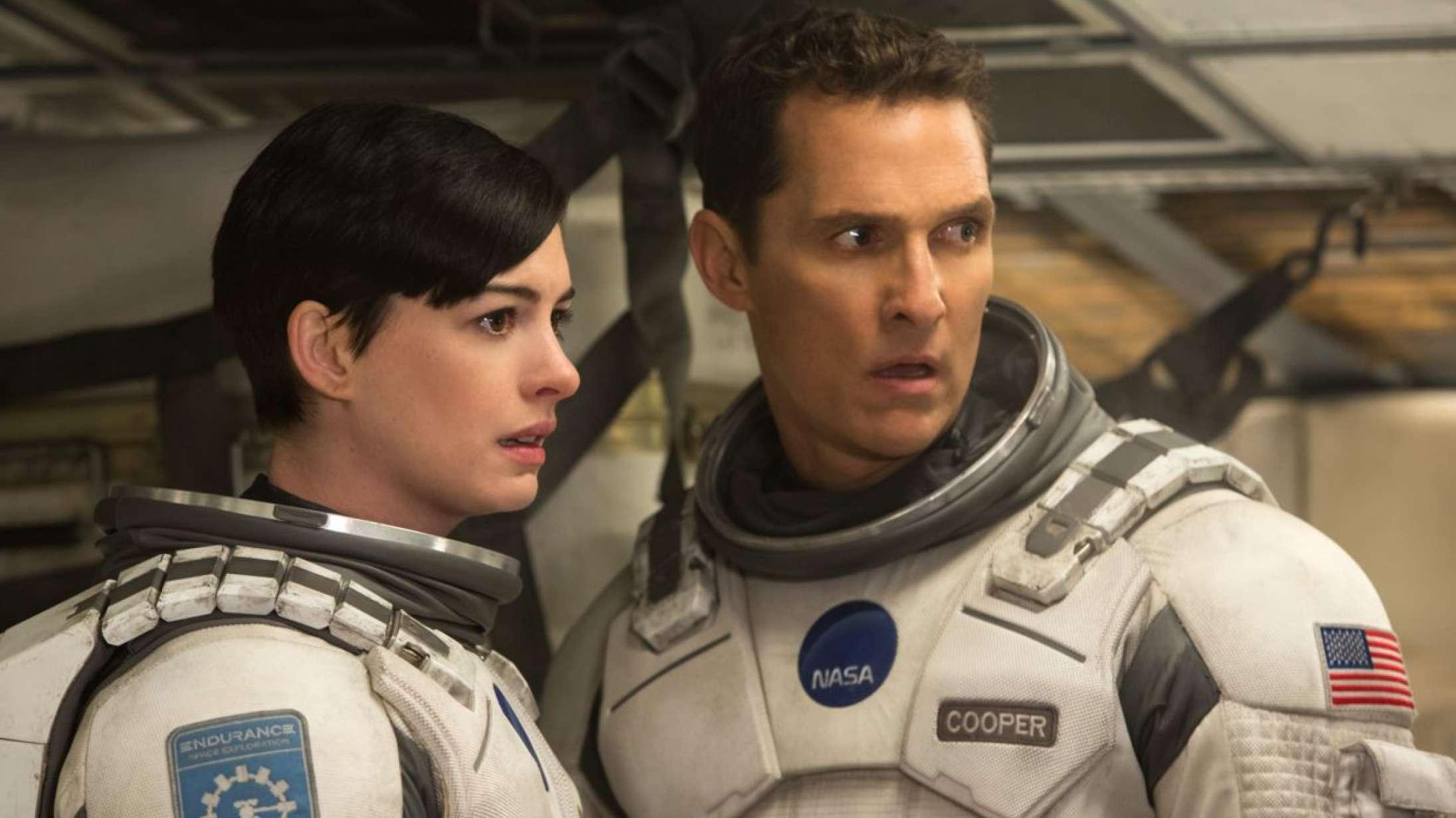 Stole er forbudt på Christopher Nolans filmoptagelser, fortæller Anne Hathaway