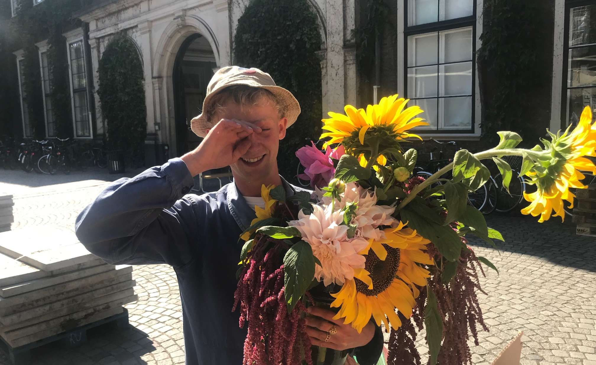 Blomster, blomster, blomster: Florist Christian Ravnbak hjælper dig i gang